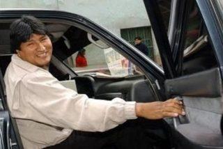 Roban un coche de Evo Morales regalado por Hugo Chávez