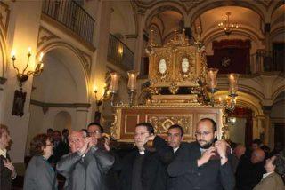 Obispos y sacerdotes de toda Andalucía veneran las reliquias de San Juan de Ávila