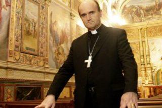"""Munilla acusa a """"círculos laicistas y anticlericales"""" de usar la pederastia como """"un filón para atacar a la Iglesia y al Papa"""""""