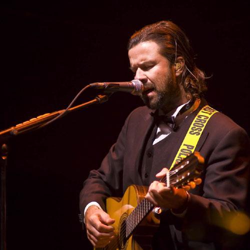 Jarabe de Palo actúa hoy en Socuéllamos (Ciudad Real) en el marco de los Escenarios de Primavera 2010