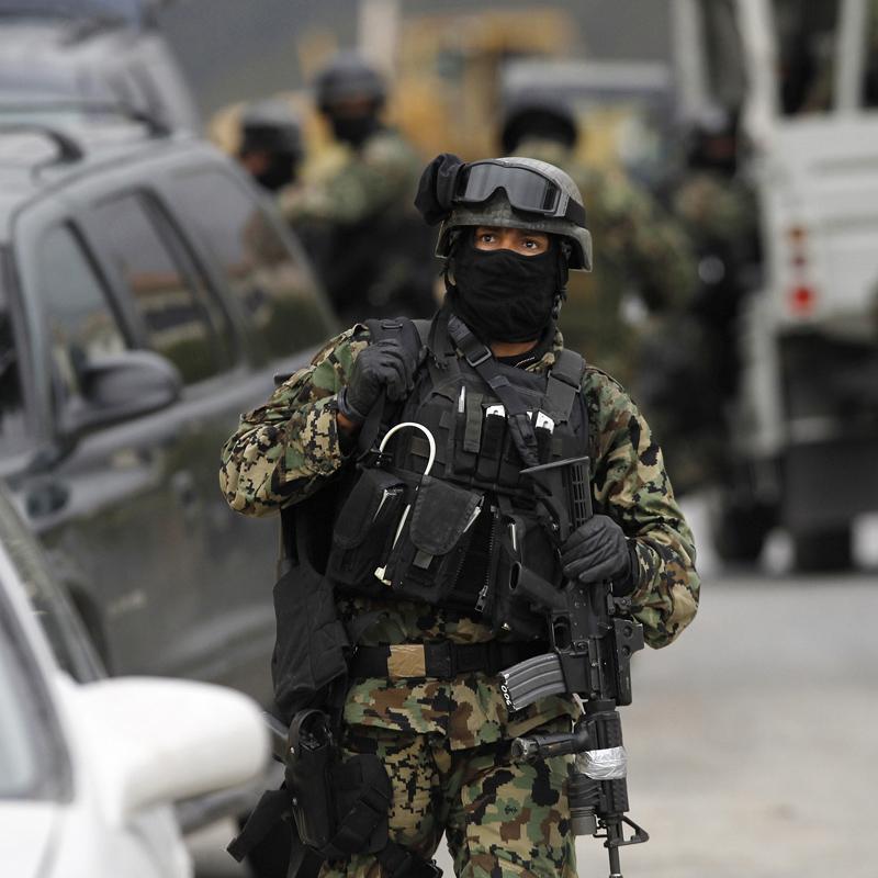 Al menos 10 muertos tras una emboscada de sicarios a policías