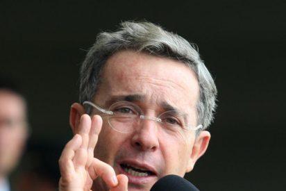 """Uribe califica de """"humillación"""" realizar un canje de prisioneros"""