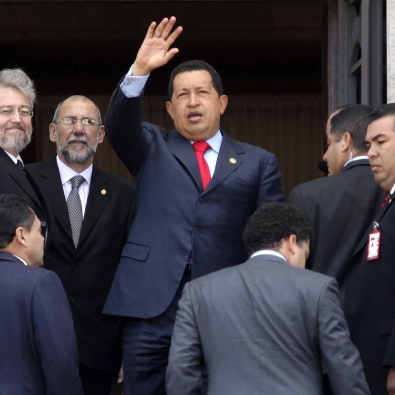 Chávez amenaza con confiscar acciones de Globovisión