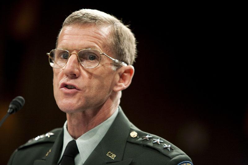 El general McChrystal transmite al Ejército su intención de retirarse