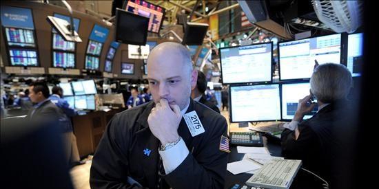 El Dow Jones cierra con una bajada del 1,11 por ciento en una sesión muy volátil