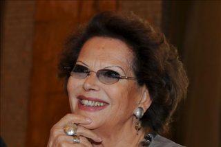 """Claudia Cardinale dice que no se perdona """"haber dicho no a Marlon Brando"""""""