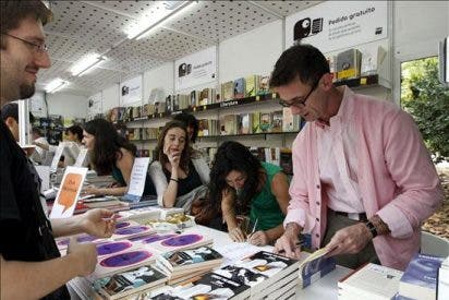 La Feria festeja con el culto a Chuk Palahniuk y a las poetas blogueras
