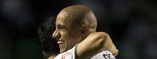 Corinthians vence al Internacional y mantiene el liderato en Brasil