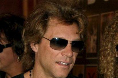 """Jon Bon Jovi asegura que """"sería ridículo aparentar que seguimos teniendo 21 años"""""""