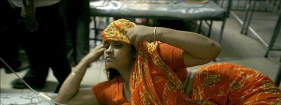Un incendio en el casco viejo de Dacca causa 113 muertos y más de cien heridos