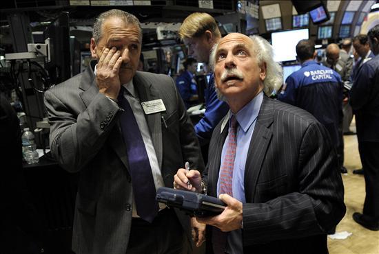 Wall Street acelera su caída hasta el 2 por ciento decepcionada por los datos de empleo