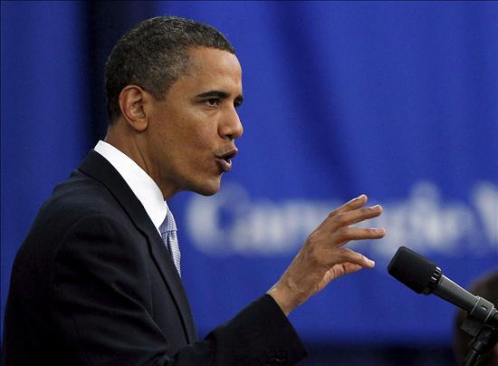 """Obama asegura que la economía """"se está fortaleciendo"""" con la creación de empleo"""