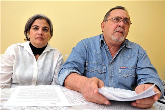 Detenidos 37 disidentes en Cuba, según un periódico
