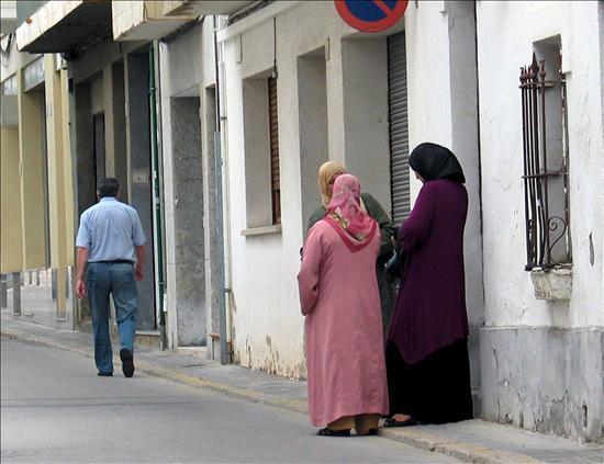 Lleida hará un estudio para conocer las mujeres que usan burka en la ciudad
