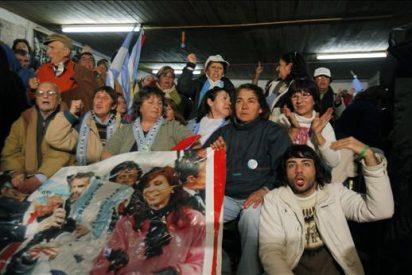 El Gobierno argentino denuncia a ambientalistas que bloquean paso a Uruguay