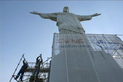 Retiran los andamios del Cristo Redentor tras una restauración de cuatro meses