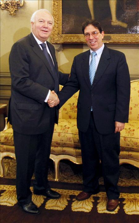 Moratinos y Rodríguez hablaron sobre las relaciones UE-Cuba en París