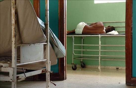 El preso político enfermo Ariel Sigler queda excarcelado
