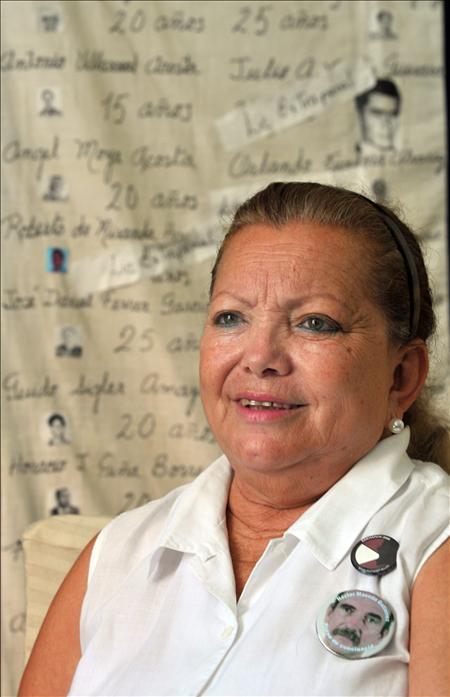 """Las Damas de Blanco ven un """"pequeño paso"""" con la excarcelación de Sigler y esperan más"""