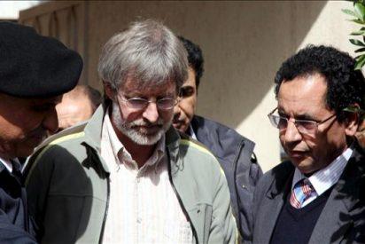 El empresario suizo retenido casi dos años en Libia sale del país magrebí