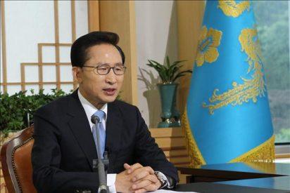 Lee anuncia una revisión de su política tras la derrota en los comicios regionales