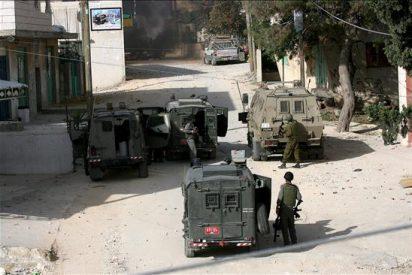 Tres policías israelíes heridos en un ataque con armas automáticas en Hebrón