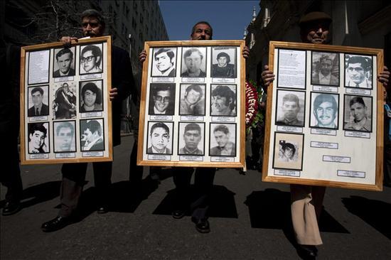 Hermano de presidente chileno defiende a Pinochet y pide la renuncia de un ministro