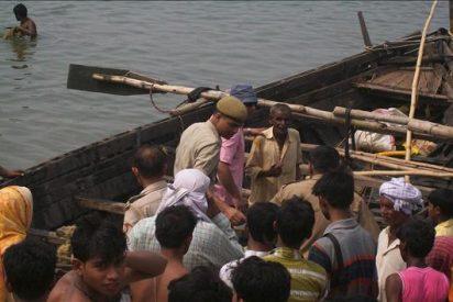 Al menos 25 muertos y 17 desaparecidos al hundirse un barco en el río Ganges