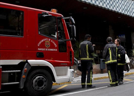 Se derrumba un edificio en Bigastro (Alicante) después de desalojarlo