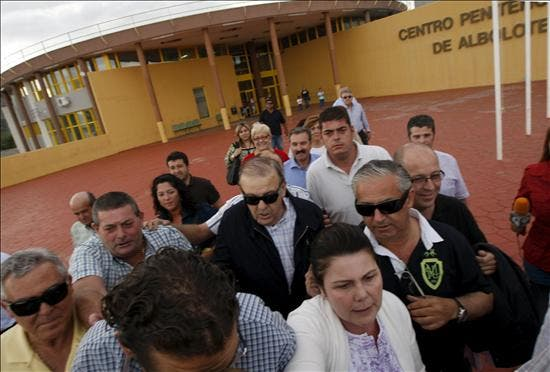 El alcalde de El Ejido sale de la cárcel bajo fianza de 300.000 euros tras casi ocho meses