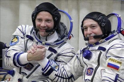 La Soyuz parte a la Estación Espacial Internacional con tres nuevos tripulantes