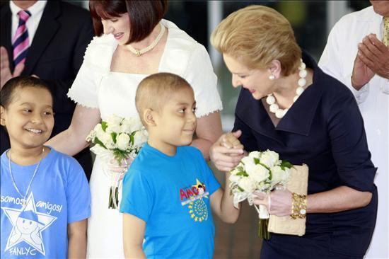 El Gobierno panameño condecora a la diseñadora Carolina Herrera por sus relevantes méritos