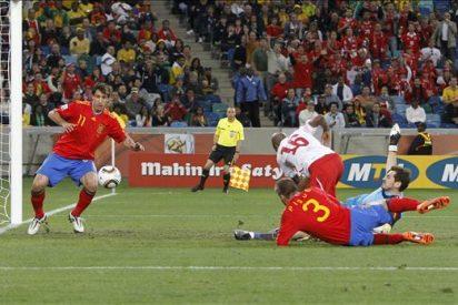 0-1. España, incapaz de derribar el muro suizo, se complica la vida