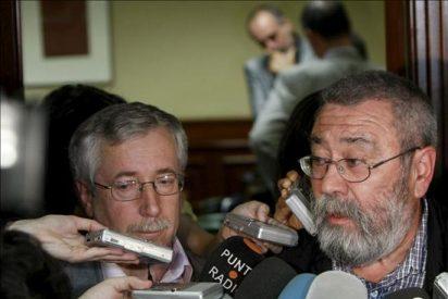 """Méndez y Toxo dicen que el decreto """"agrava"""" y """"empeora"""" la reforma laboral"""