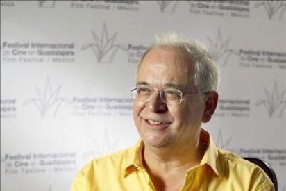 """La Academia de Cine premia a """"Versión Española"""" y al periodista Diego Galán"""