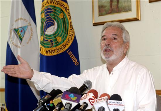 Ruben Darío Granda agradece a Ortega el otorgamiento del asilo