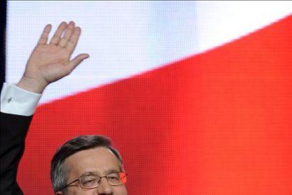 Komorowski gana las presidenciales polacas pero deberá ir a la segunda vuelta