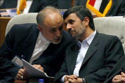 Irán prohíbe la entrada al país de dos inspectores del OIEA