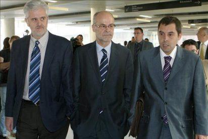 Castells llega al juzgado para testificar por su papel en el proyecto del hotel