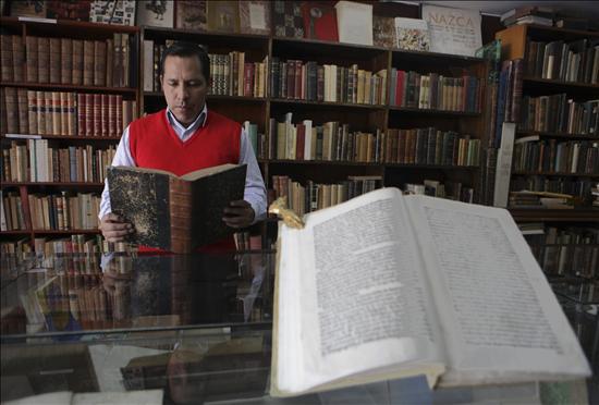 El libro antiguo, patrimonio olvidado de Perú