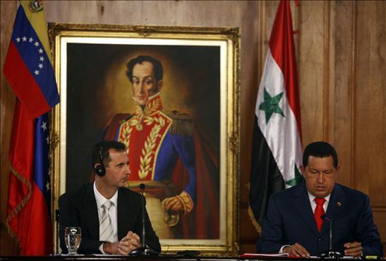 """Chávez afirma ante su colega sirio que EE.UU. amenaza """"con nuevas guerras"""""""
