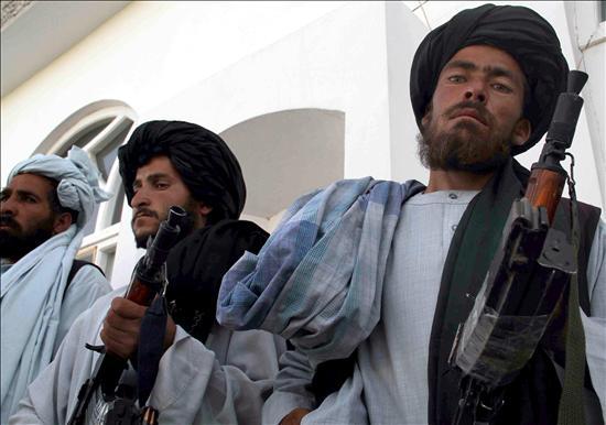Mueren 15 insurgentes al explotar las bombas que fabricaban en una mezquita de Afganistán