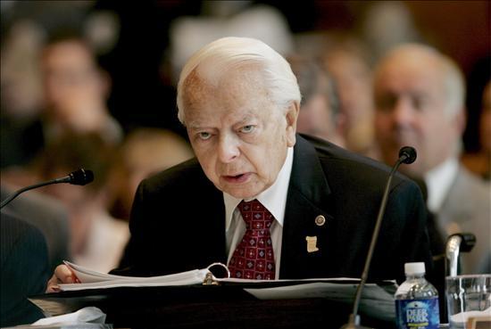 """El senador más longevo del Congreso de EE.UU. está ingresado """"gravemente enfermo"""""""