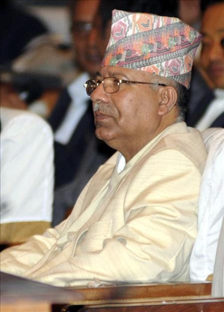 El primer ministro de Nepal anuncia su dimisión para desbloquear el proceso de paz