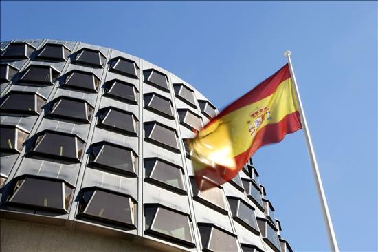 El TC oirá a las Cortes y al Gobierno antes de decidir si suspende la Ley de Aborto