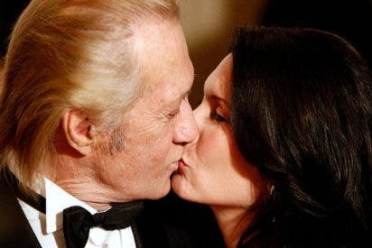 La viuda de David Carradine acusa a una productora por la responsabilidad en su muerte