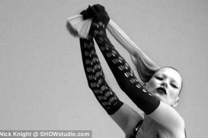 """Kate Moss se vuelve """"dominatrix"""" en una sesión muy provocadora"""