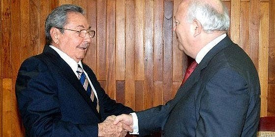 Francia descarta cambio en la política europea hacia Cuba