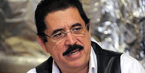 Manuel Zelaya dice que su destierro es un delito