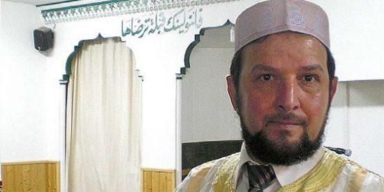 Caamaño subvenciona a un imán que justifica lapidar adúlteras